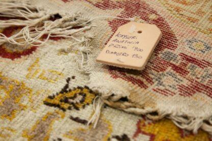Round Kayseri silk rug