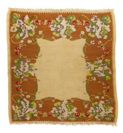 Balkan kilim with flowers 146