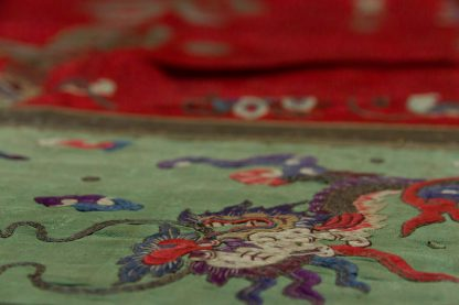 Chinese silk embroidery medium
